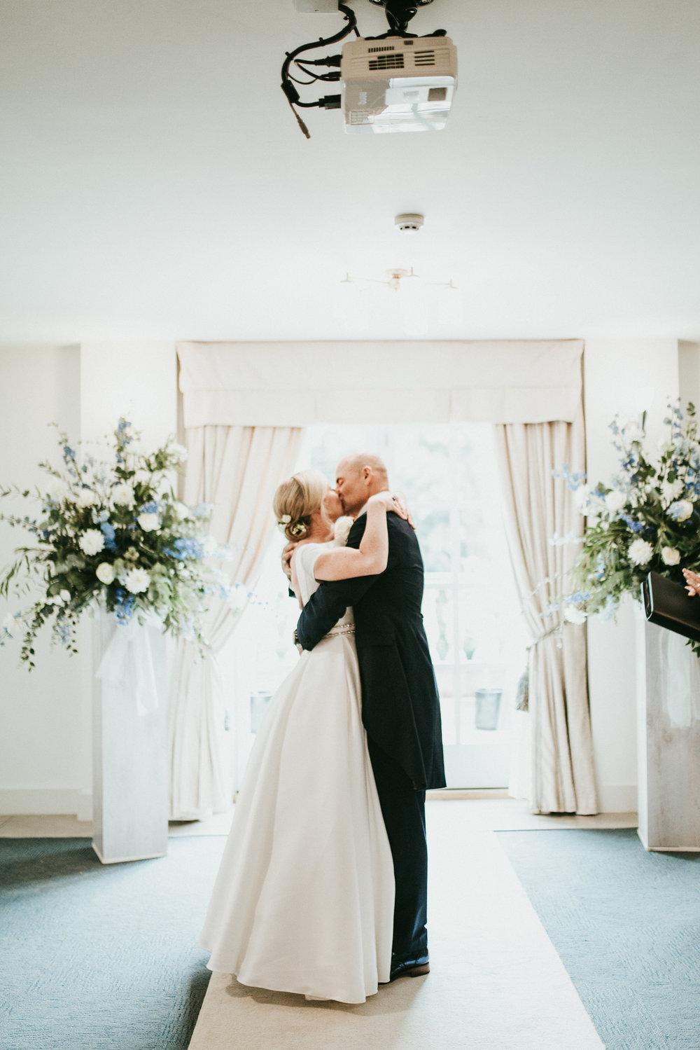 Adam-Rhiannon-Wedding-Photography-The-Italian-Villa-Poole-Bournemouth-Adventure-Beach-Darina-Stoda-28.jpg