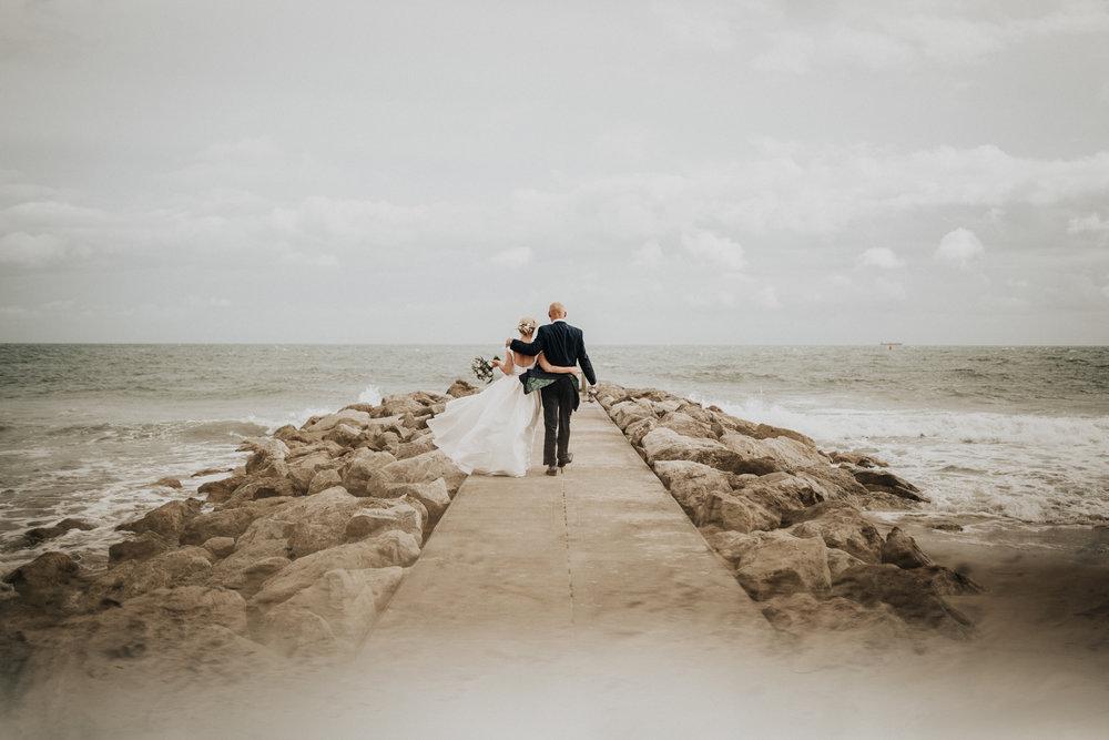 Adam-Rhiannon-Wedding-Photography-The-Italian-Villa-Poole-Bournemouth-Adventure-Beach-Darina-Stoda-40.jpg