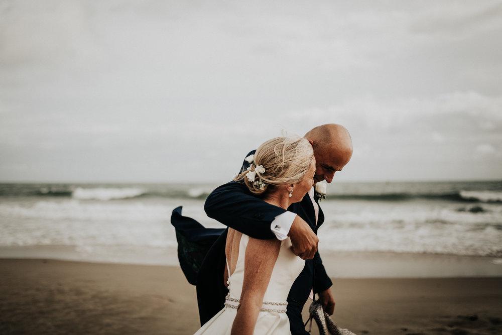Adam-Rhiannon-Wedding-Photography-The-Italian-Villa-Poole-Bournemouth-Adventure-Beach-Darina-Stoda-46.jpg