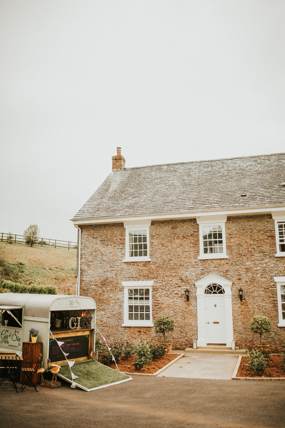 Rach-Stefan-Wedding-Devon-South-Slapton-Sands-Boho-Photography-Darina-Stoda-147.jpg