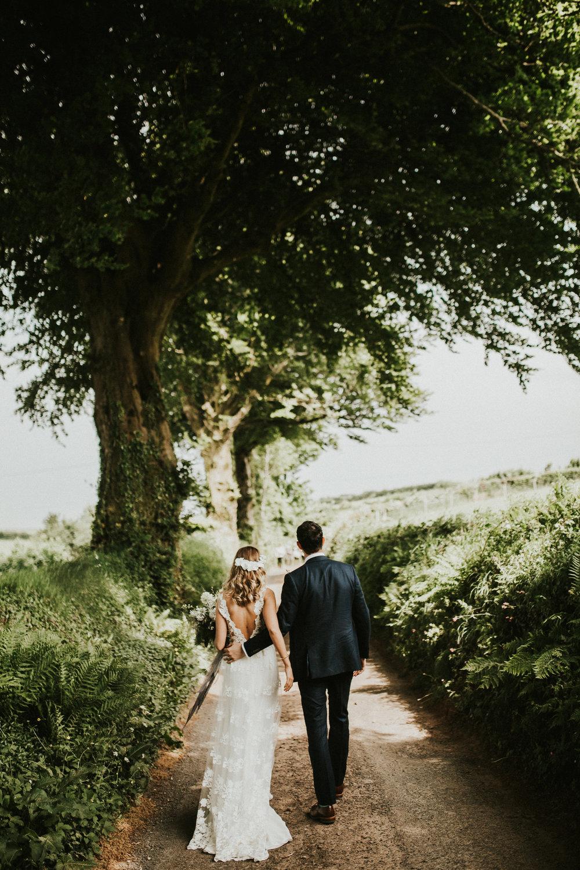 Rach-Stefan-Wedding-Devon-South-Slapton-Sands-Boho-Photography-Darina-Stoda-508.jpg