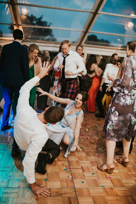 Rach-Stefan-Wedding-Devon-South-Slapton-Sands-Boho-Photography-Darina-Stoda-933.jpg