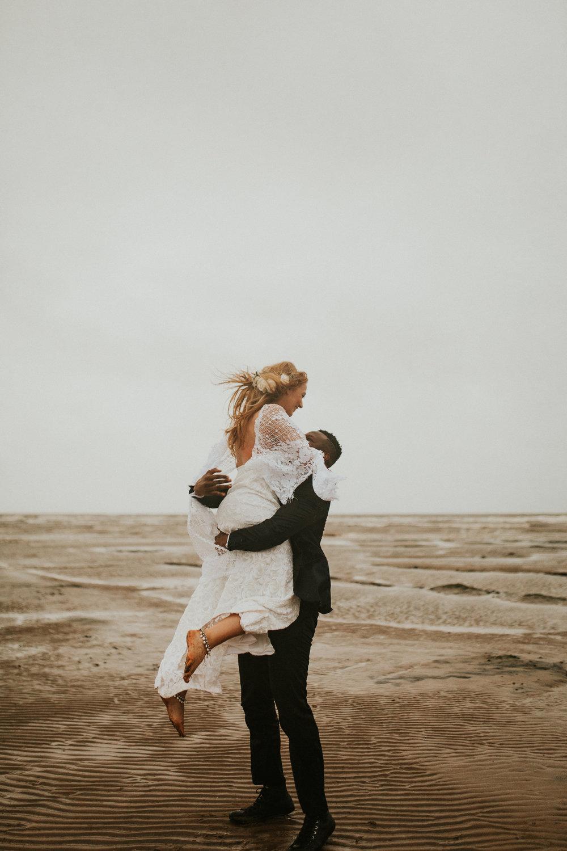 Emma-Tate-Stormy-Norfolk-Beach-Wedding-Shoot-Darina-Stoda-Photography-32.jpg