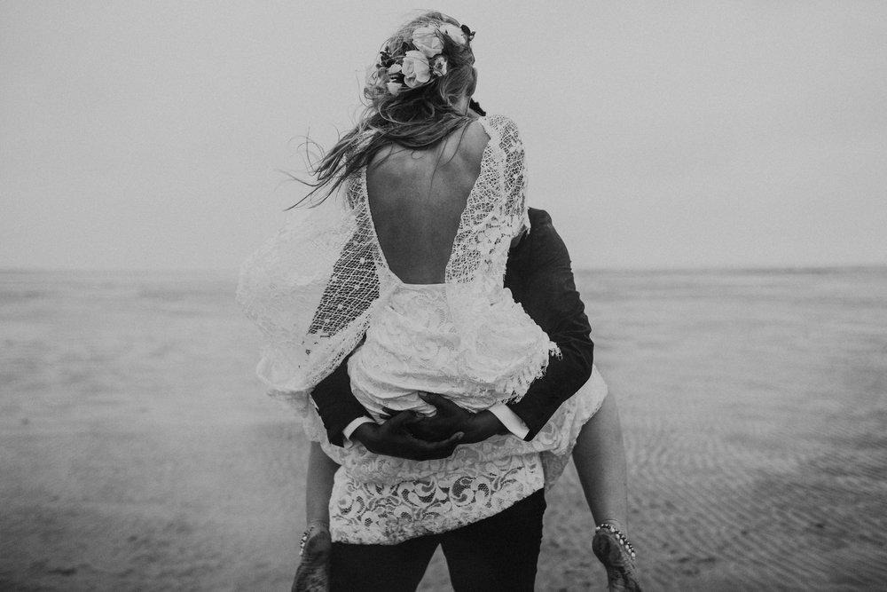 Emma-Tate-Stormy-Norfolk-Beach-Wedding-Shoot-Darina-Stoda-Photography-56.jpg