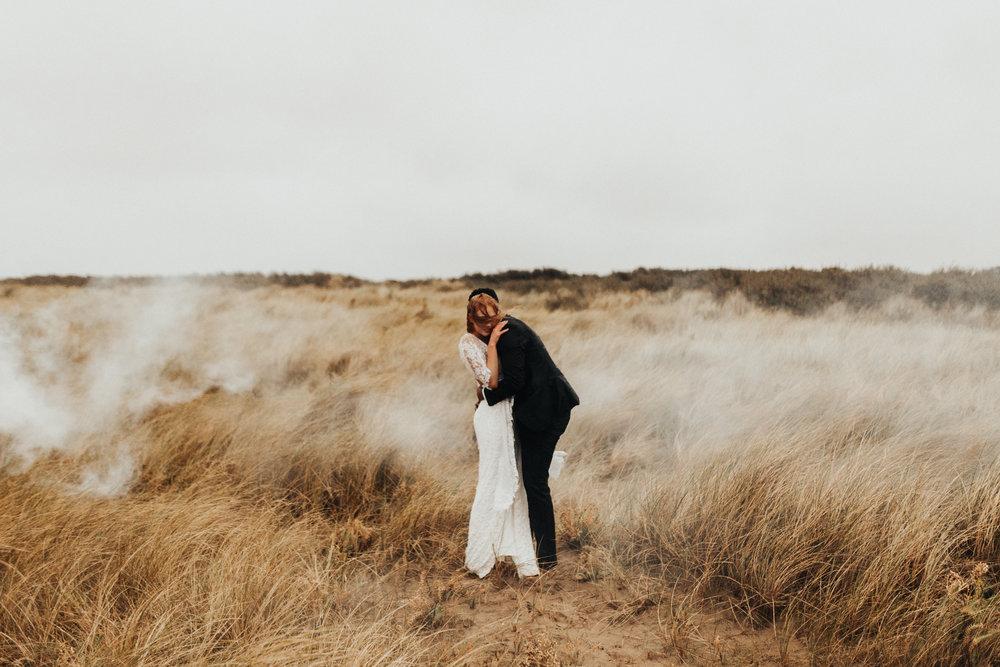 Emma-Tate-Stormy-Norfolk-Beach-Wedding-Shoot-Darina-Stoda-Photography-122.jpg