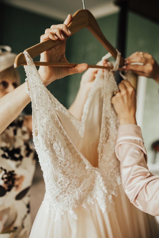 Kirstie-Jack-Elegant-Luxe-Wild-Wedding-Stubton-Hall-Lincolnshire-Darina-Stoda-Photography-34.jpg