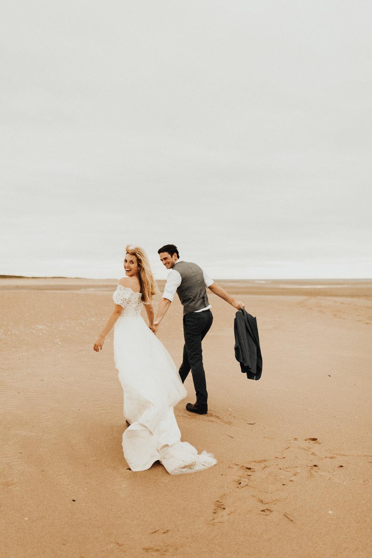 Claire-Clive-Wedding-Norfolk-Beach-Session-Love-Darina-Stoda-Photography-32.jpg