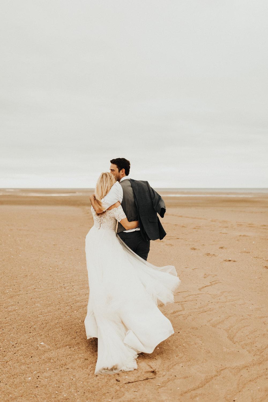 Claire-Clive-Wedding-Norfolk-Beach-Session-Love-Darina-Stoda-Photography-39.jpg