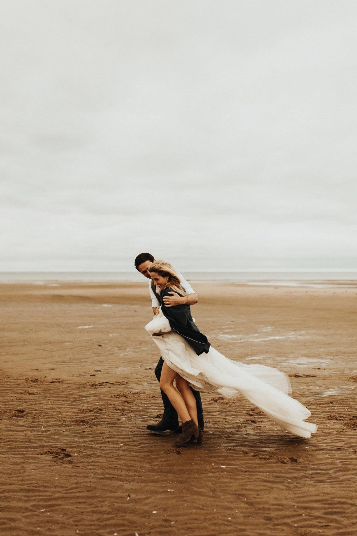 Claire-Clive-Wedding-Norfolk-Beach-Session-Love-Darina-Stoda-Photography-40.jpg