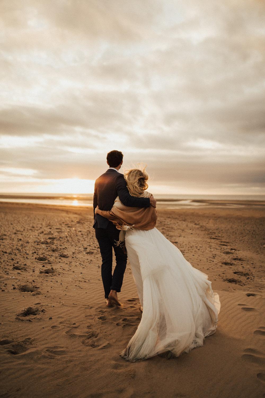 Claire-Clive-Wedding-Norfolk-Beach-Session-Love-Darina-Stoda-Photography-300.jpg