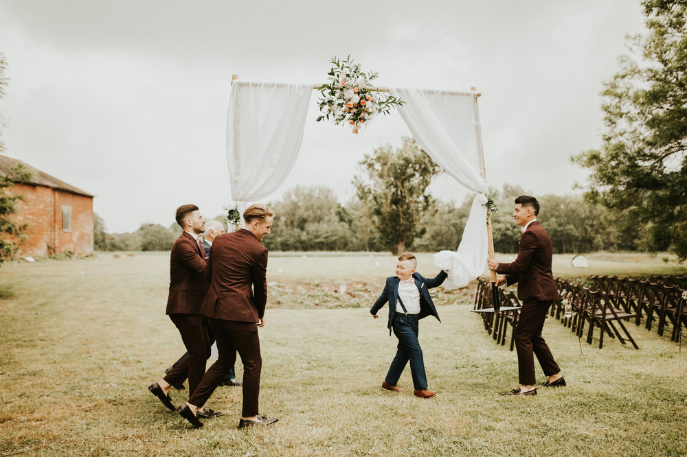 Fiona-Hary-Wedding-Norfolk-Fishley-Hall-Darina-Stoda-Photography-15.jpg