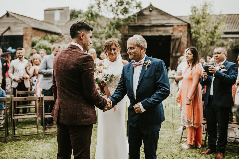 Fiona-Hary-Wedding-Norfolk-Fishley-Hall-Darina-Stoda-Photography-44.jpg
