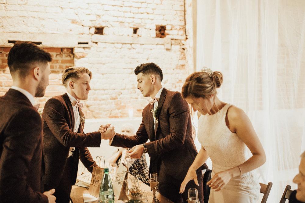 Fiona-Hary-Wedding-Norfolk-Fishley-Hall-Darina-Stoda-Photography-117.jpg