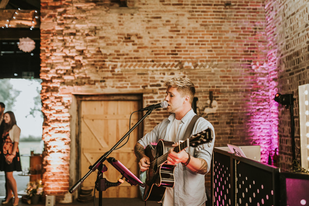Fiona-Hary-Wedding-Norfolk-Fishley-Hall-Darina-Stoda-Photography-145.jpg