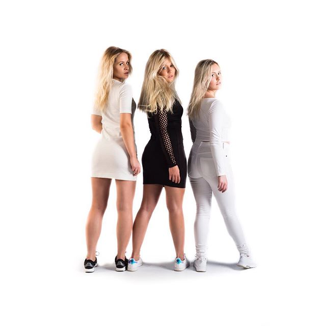 Lookbook I Model: Michelle Blomqvist, Nathalie Bertlin, Emma Söder Styling&MUAH: @saralimaria  #model #woman #womanmodel #fashion #femalemodel #studiophotography #photography #photographer #studiophotographer #fashionphotography #finnishmodel #finnswede #finland #finnishphotographer #finswedephotographer