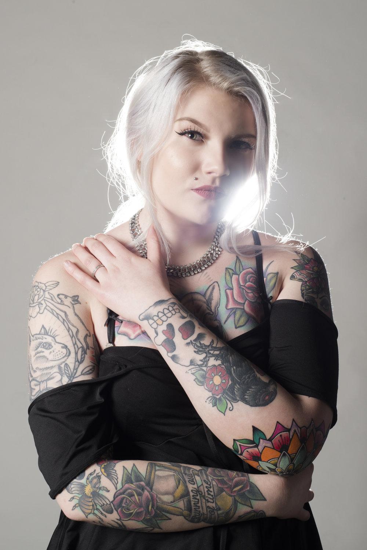 MODEL:  Roosa Laituri