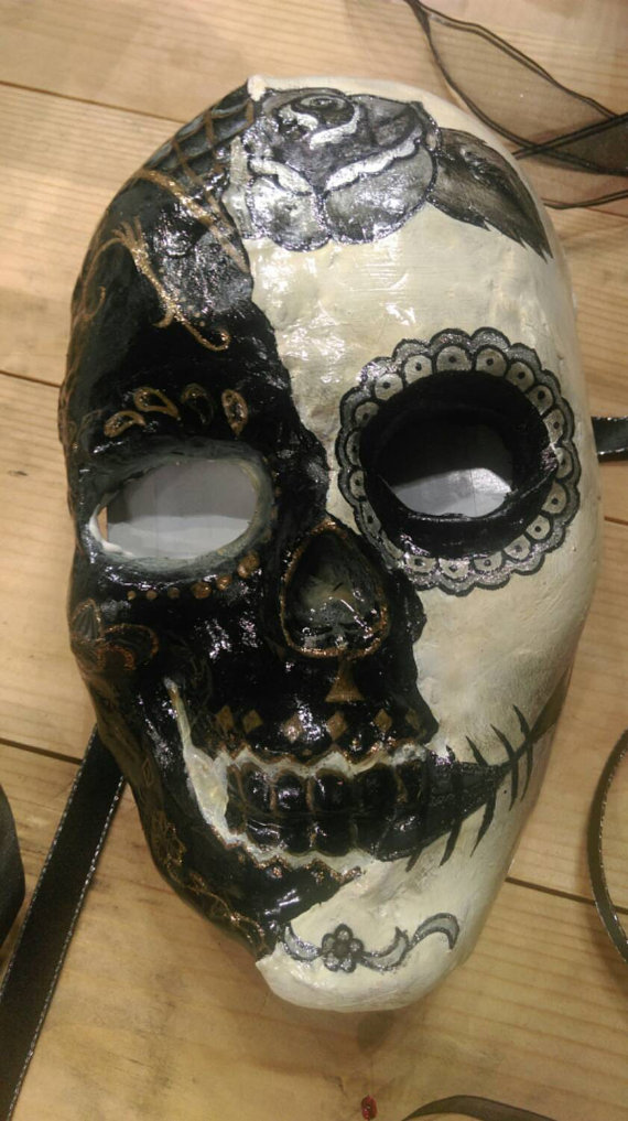 Twilight Theatre produces a range of full and half face masks. Available via  Etsy