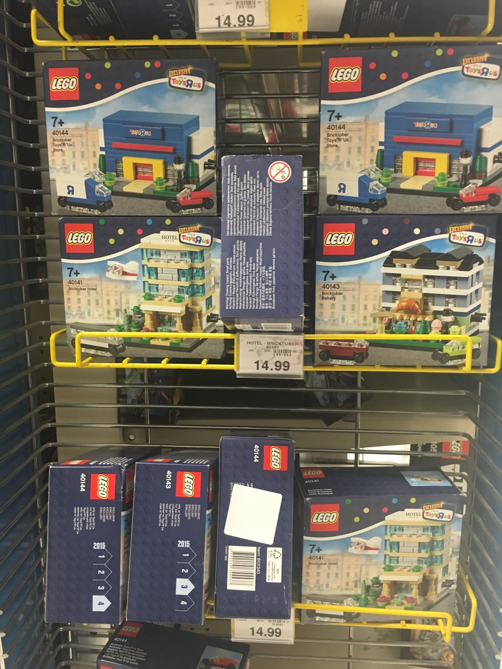 Exclusive Lego sets at Toys R Us