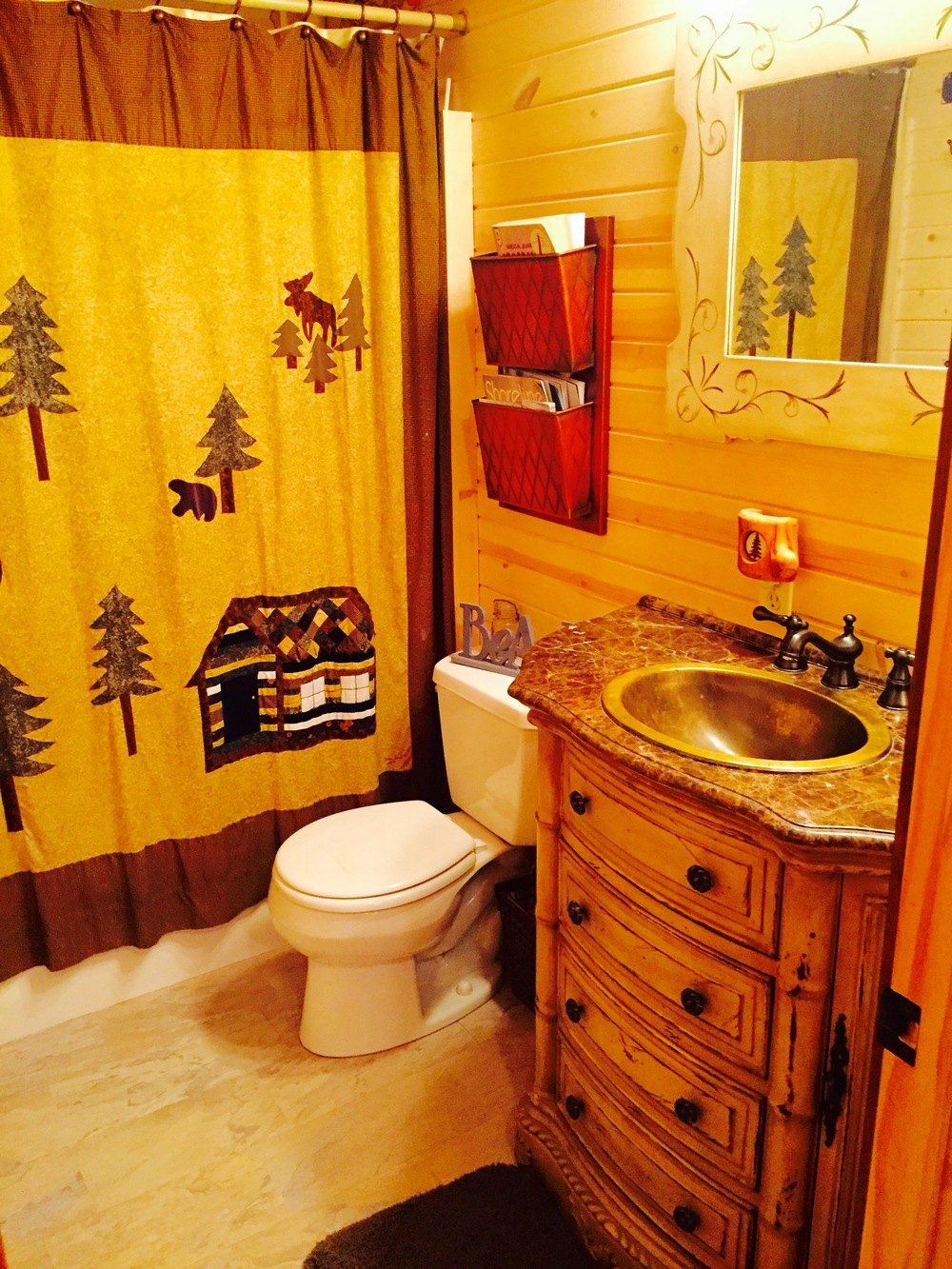 Pentwater MI Vaction Rental Cabin Bath.jpg
