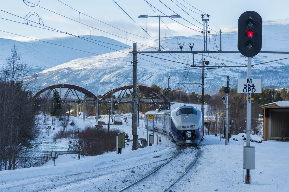 Reis miljøvennlig og behagelig med toget til Oppdal. -