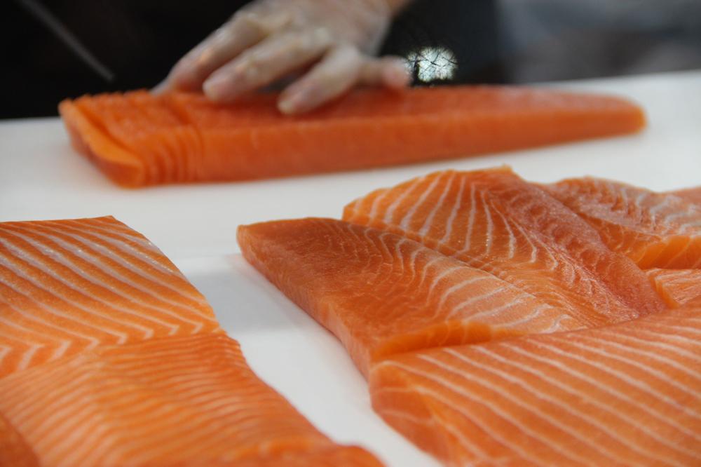 Slicing Salmon Sashimi at Sydney Fish Market - Photo by Brianna Graves / Phoenix Mom Rising