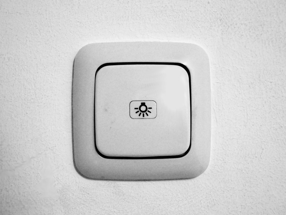 light-switch-1519735_1920.jpg
