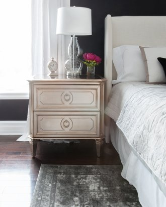 Glam-bedroom-black-walls-mirrored-nightstand
