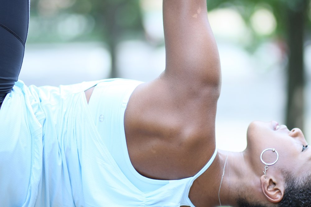 Vasistasana yogi toe lock.jpg