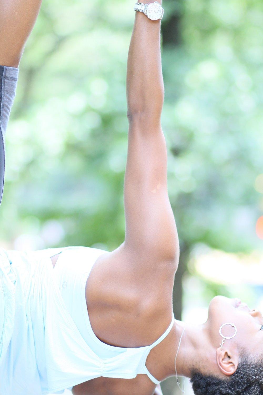 Vasistasana yogi toe lock2.jpg