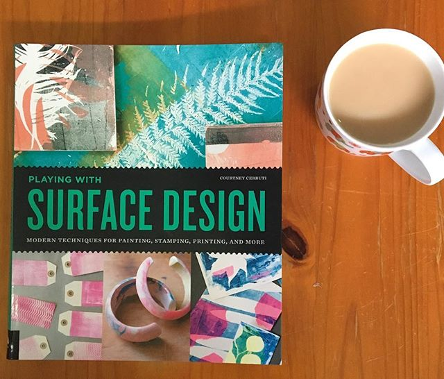 Just finished reading this fabulous book! I can't wait to try some of the techniques out for myself! . . . . #artist#bookoftheweek#textiledesign#flatlay#design#mixedmedia