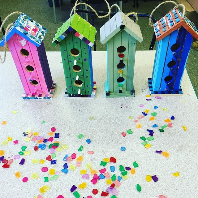 Girl Scout birdhouses.  I want to live there! #birdhouse #girlscouts #kidsart #doodlebug #colors #painting
