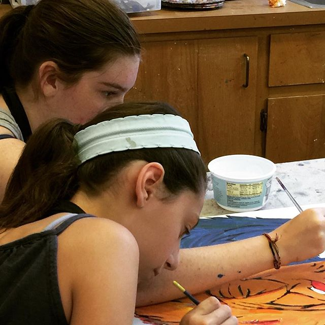 Collaborating on a painting while enjoying the Grateful Dead.  #doodlebug #camp #painting #kids #Marin #sananselmorecreation
