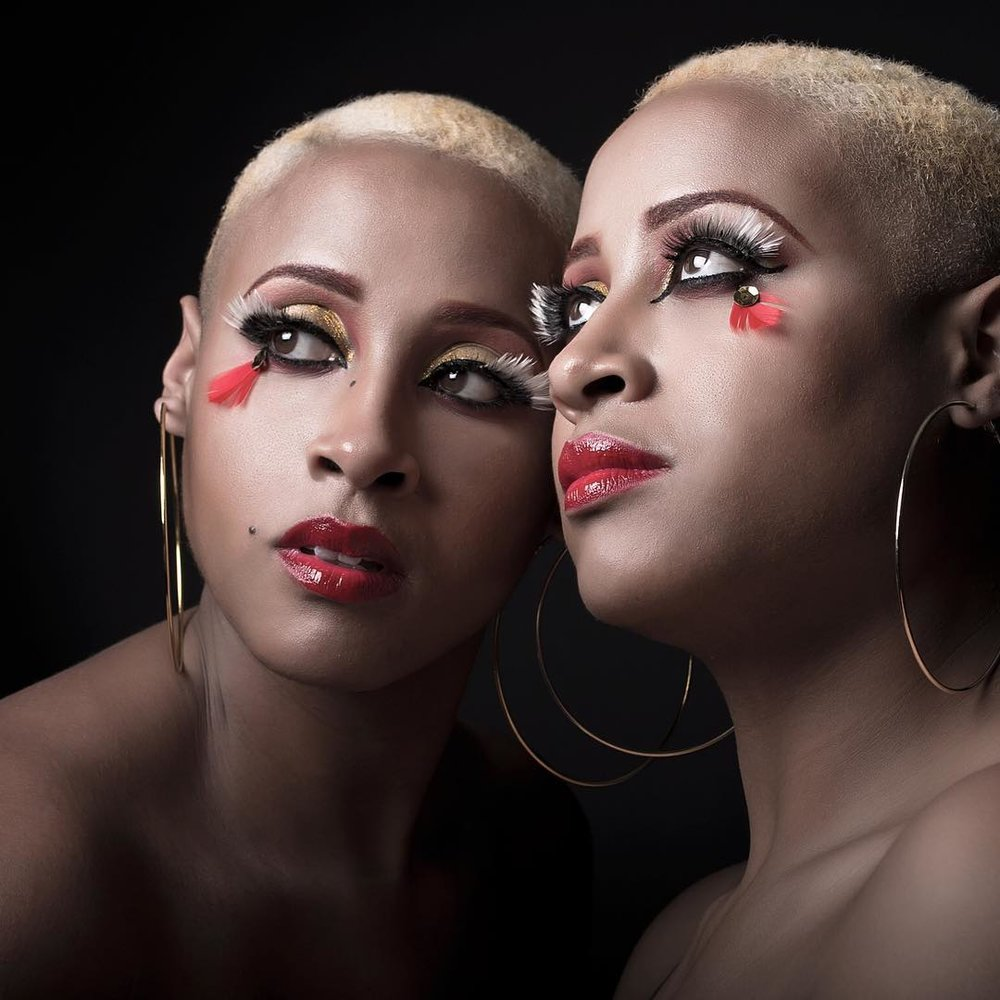 """The Real Wonder Twinz Have Been Rocking the """"Amber Rose"""" Before Amber Rose."""