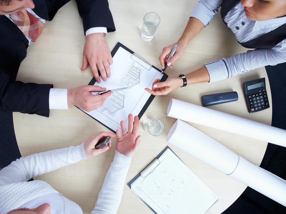 People Businesspeople 3 Overhead 03.jpg