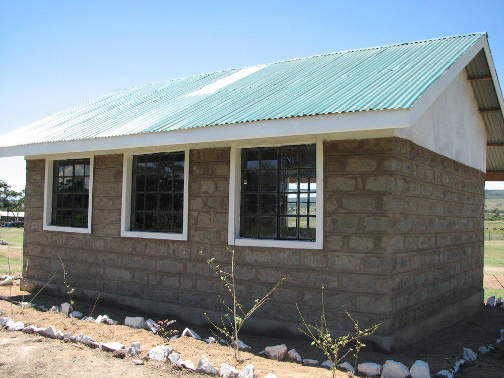 2007-Salabweck School outsideTEMP.jpg