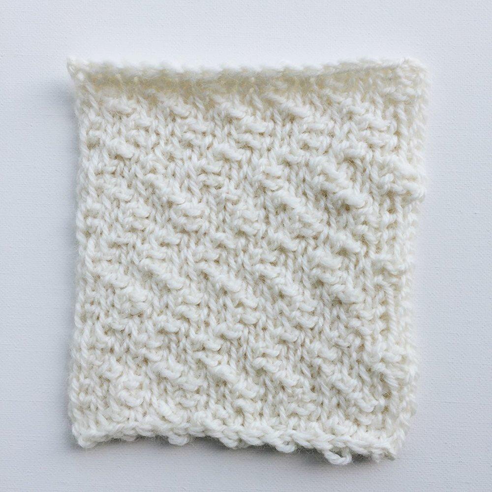 Shift reversibility made with Tunisian crochet