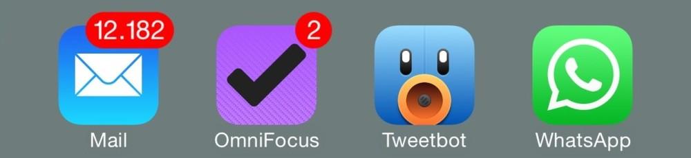 Mail, Omnifocus, Tweetbot y Whatsapp en mi barra de atajos.
