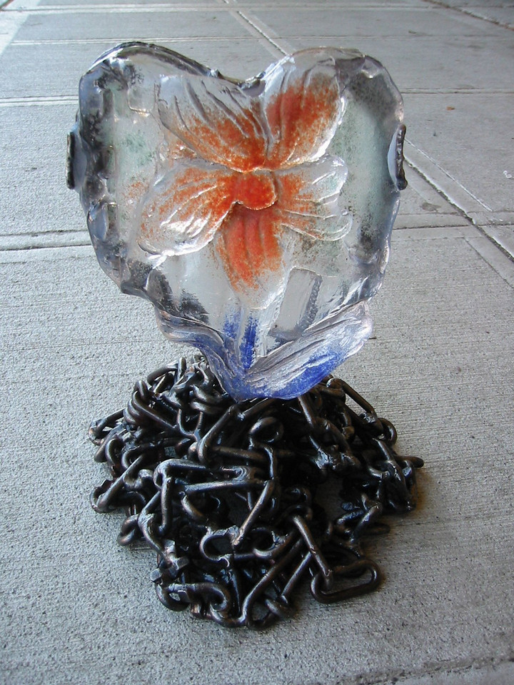 heart-glass-chain-sculpture.jpg