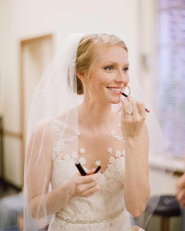 Go one shade deeper on your lips. It will look prettier in your wedding day images. #lipstick #weddingdaymakeup