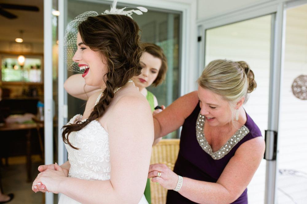 LarnerWedding-BrideGettingReady-18.jpg
