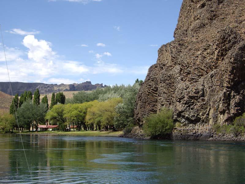 Limay_River-2.jpg