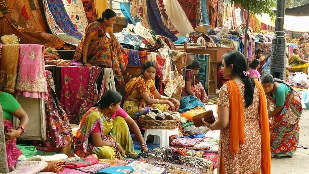 Janpath-and-Tibetan-Market Dheli.jpg