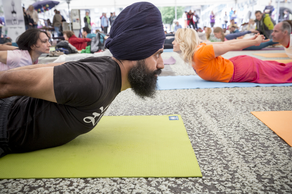 uno-day-of-yoga_19031805635_o.jpg