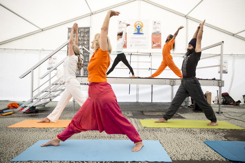 uno-day-of-yoga_19031813065_o.jpg