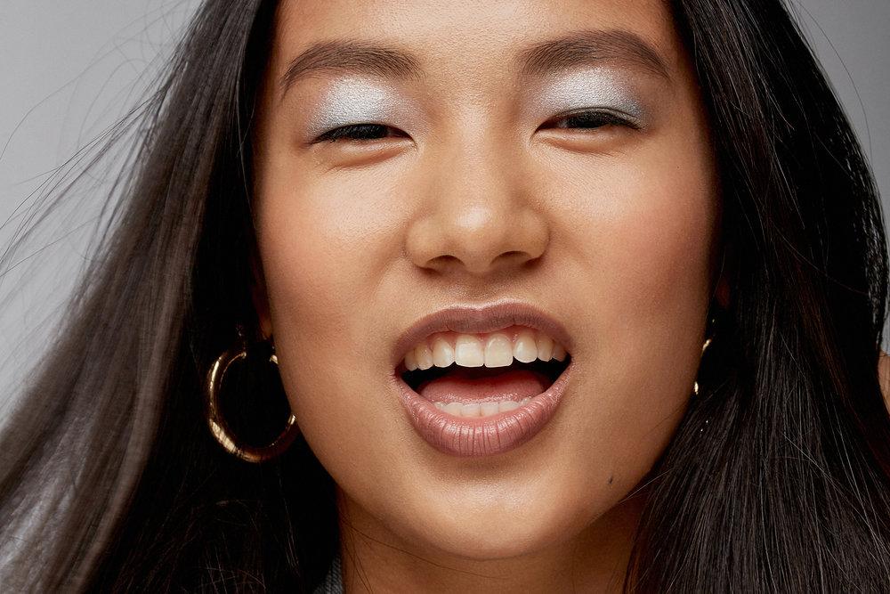 new-beauty-asian-milk-makeup-shine-highlighter-woman.jpg