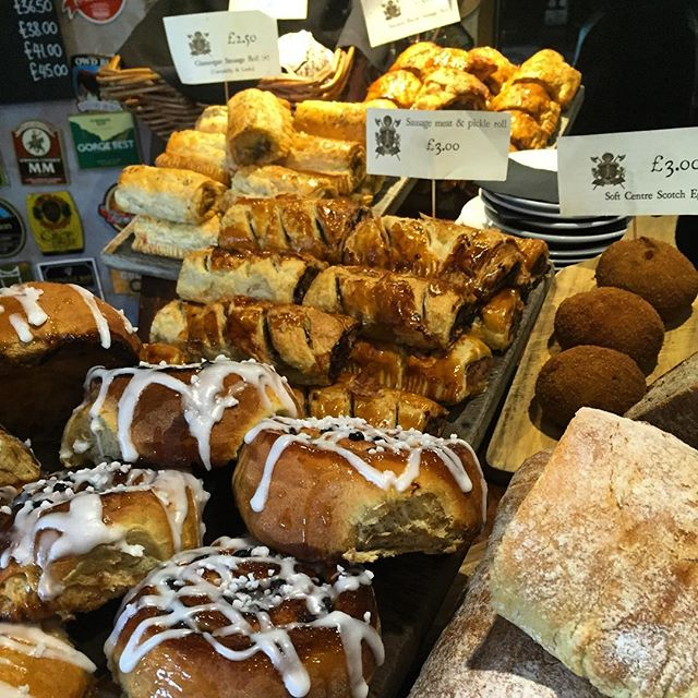 Bra snack anybody.. Sweet or savoury, I think we've got it covered... #bartreats #barsnacks #bristolpubfood #goodfoodguide #sausagerolls #scotcheggs #chelseabuns