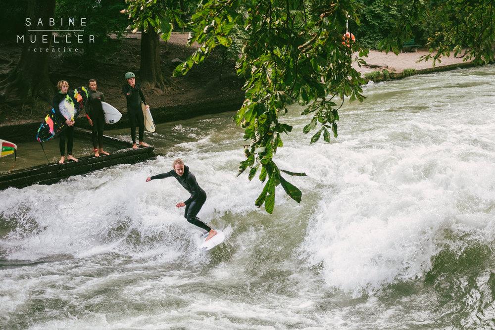 Surfing Englischer Garten Munich