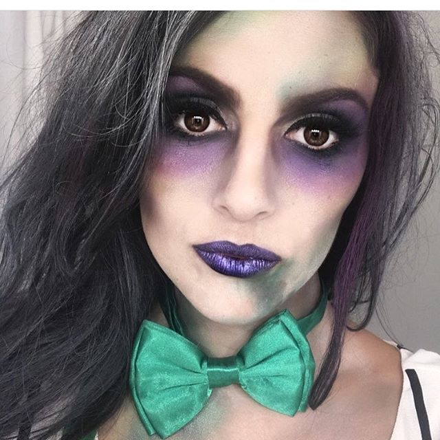 How we feel about losing power. 😬  And also because it's our favorite season. 👻. . . . Book your Halloween appointments today @ bookings@entyremakeovers.com ! . . #halloweenmakeup #glamsquad #beetlejuice #beetlejuice #beetlejuice #halloweenmakeupboston