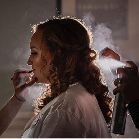 Another day, Another wedding 👰🏻 . . Photography: @jazzandtara . . Dj: @firstclassweddings . . #bridalhairandmakeup #bridalhairstylist #weddinghair #bridalmakeup #bridalhair #weddingmakeup #weddinghair #halfuphalfdown #hairgoals #mua #hairandmakeup #entyremakeover #striplashes #entyrelashes