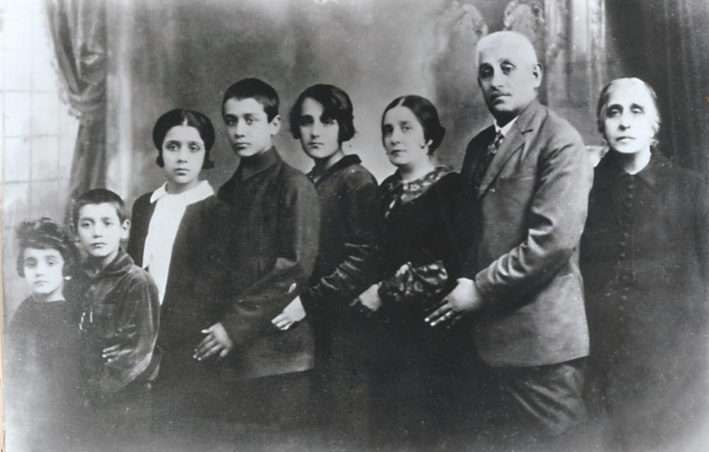 Celibidache family:(l to r)Sonia, Ticu, Tania, Sergiu, Coca, Maria, Demostene, Heleni